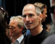 Foto de archivo de Steve Jobs en un acto en San Francisco, sep 1 2010. En los cuatro años que han pasado desde su muerte, Steve Jobs se ha convertido en uno de los personajes favoritos de Hollywood, aunque ha resultado difícil capturar la personalidad brillante e irritable de uno de los fundadores de Apple. REUTERS/Robert Galbraith