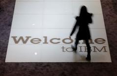IBM a accepté de permettre aux autorités chinoises d'étudier une partie du code source de certains de ses logiciels dans une enceinte sécurisée, selon le Wall Street Journal qui cite deux sources proches du dossier. /Photo d'archives/REUTERS/Morris Mac Matzen