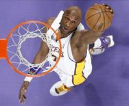 Lamar Odom durante partida do Los Angeles Lakers, nos Estados Unidos.   13/04/2008    REUTERS/Lucy Nicholson
