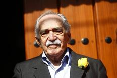 Autor colombiano Gabriel García Márquez no lado de fora de sua casa, na Cidade do México, no ano passado. 06/03/2014 REUTERS/Edgard Garrido