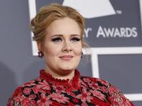 Cantora Adele em Los Angeles. 10/02/2013 REUTERS/Mario Anzuoni