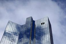 The Deutsche Bank headquarters are seen in Frankfurt, Germany October 8, 2015. REUTERS/Ralph Orlowski