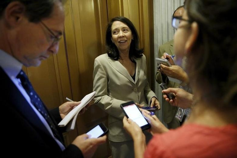 U.S. Senator Maria Cantwell (D-WA) speaks with reporters as she departs the Senate floor at the U.S. Capitol in Washington September 8, 2015. REUTERS/Jonathan Ernst