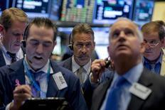 Traders work on the floor of the New York Stock Exchange November 2, 2015. REUTERS/Brendan McDermid