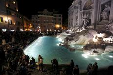 Fontana di Trevi é reinaugurada após restauração em Roma. 3/11/2015. REUTERS/Alessandro Bianchi