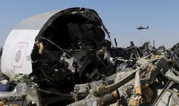 Destroços de aeronave russa que caiu no Egito.   02/11/2015     REUTERS/Mohamed Abd El Ghany