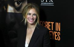 "Cast member Julia Roberts poses at the premiere of ""Secret in Their Eyes"" at the Hammer Museum in Los Angeles, California November 11, 2015.  REUTERS/Mario Anzuoni"