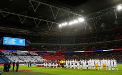 Jogadores perfilados para jogo entre Inglaterra e França.  17/11/15. Reuters/Darren Staples