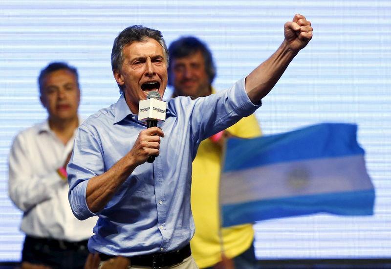 Macri vence eleição na Argentina e põe fim a uma era do peronismo