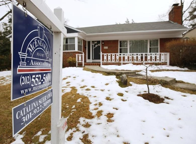 An existing home for sale is seen in Silver Spring, Maryland February 21, 2014. REUTERS/Gary Cameron