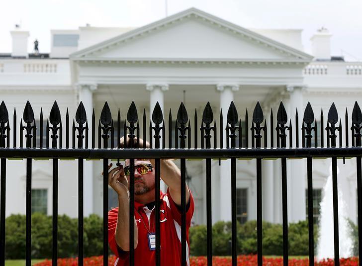 أمن الرئاسة: الرجل الذي قفز فوق سور البيت الابيض يواجه اتهامات جنائية