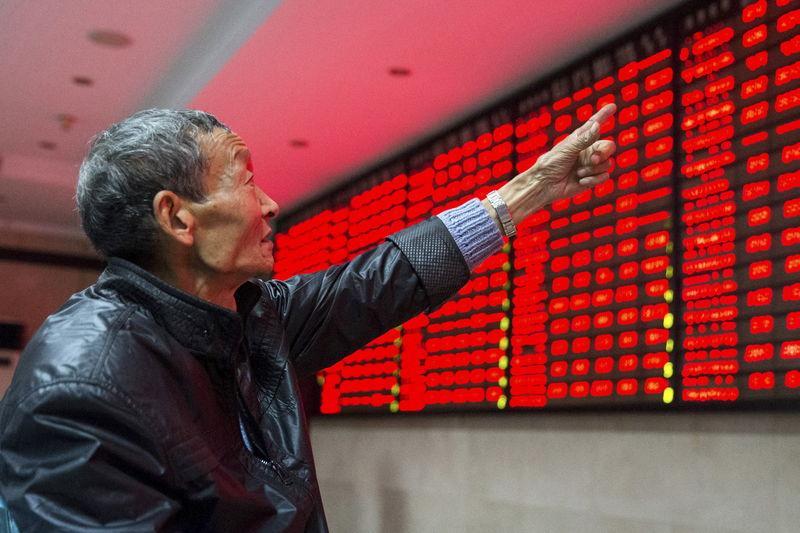 الأسهم الصينية تتكبد أكبر خسائرها منذ الصيف مع توسيع نطاق تحقيقات