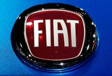 The Fiat logo is pictured at the LA Auto Show in Los Angeles, California, United States November 18, 2015. REUTERS/Lucy Nicholson