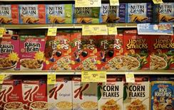 Various types of Kellogg's cereals are seen at the Safeway store in Wheaton, Maryland February 13, 2015.    REUTERS/Gary Cameron