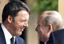 Matteeo Renzi e Vladimir Putin a Milano lo scorso 10 giugno. REUTERS/Flavio Lo Scalzo
