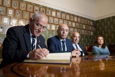Ganhadores do Nobel da Paz de 2015, Quarteto do Diálogo Nacional da Tunísia, mediadores responsáveis por evitar que o país mergulhasse em uma guerra civil na sequência da Primavera Árabe.  09/12/2015   REUTERS/Haakon Mosvold Larsen/NTB scanpix