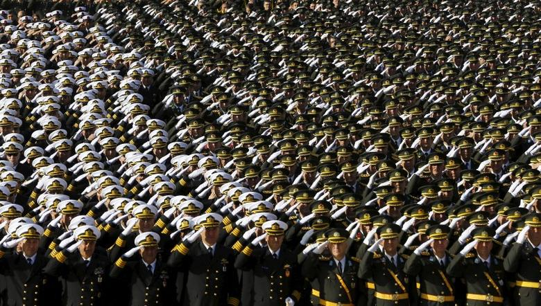 Turkish army officers stand at attention during a Republic Day ceremony at Anitkabir, the mausoleum of modern Turkey's founder Ataturk, in Ankara, Turkey, October 29, 2015. Turkey marks the 92nd anniversary of the Turkish Republic. REUTERS/Umit Bektas
