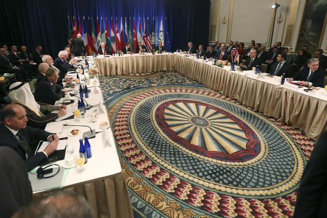 A meeting of Foreign Ministers about the situation in Syria is pictured at the Palace Hotel in the Manhattan borough of New York December 18, 2015.     REUTERS/Carlo Allegri