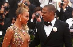Beyoncé ao lado do marido, Jay Z, em evento em Nova York.   05/05/2015     REUTERS/Lucas Jackson