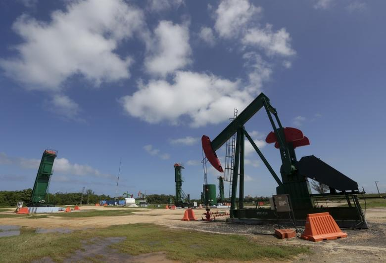 An oil pump is seen in Varadero, Matanzas province, Cuba, during an organized tour by the state-run Cuba-Petroleo (CUPET), October 21, 2015. REUTERS/Enrique de la Osa
