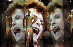 """Exposição """"David Bowie Is"""" em Paris 27/02/ 2015.   REUTERS/Charles Platiau"""
