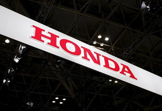 1月9日、ホンダは今年、中国向けの「アキュラ」ブランドの小型クロスオーバースポーツ多目的車(SUV)を発表する。東京モーターショーで昨年撮影(2016年 ロイター/Issei Kato)