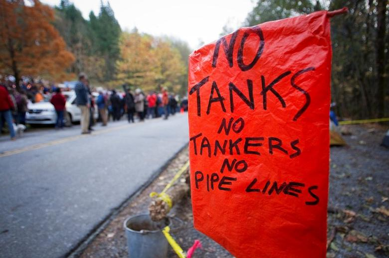 An anti-oil tanker sign is pictured near a demonstration against the proposed Kinder Morgan pipeline on Burnaby Mountain in Burnaby, British Columbia November 17, 2014.  REUTERS/Ben Nelms