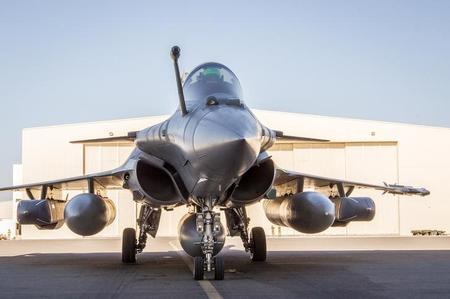 الهند تقول إنها تقترب من إتمام صفقة شراء طائرات مقاتلة فرنسية ?m=02&d=20160111&t=2&i=1108707506&w=450&fh=&fw=&ll=&pl=&sq=&r=LYNXNPEC0A11P