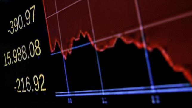 1月15日、米国株式市場は大幅反落で取引を終えた。写真はニューヨーク証券取引所で同日撮影(2016年 ロイター/Brendan McDermid)