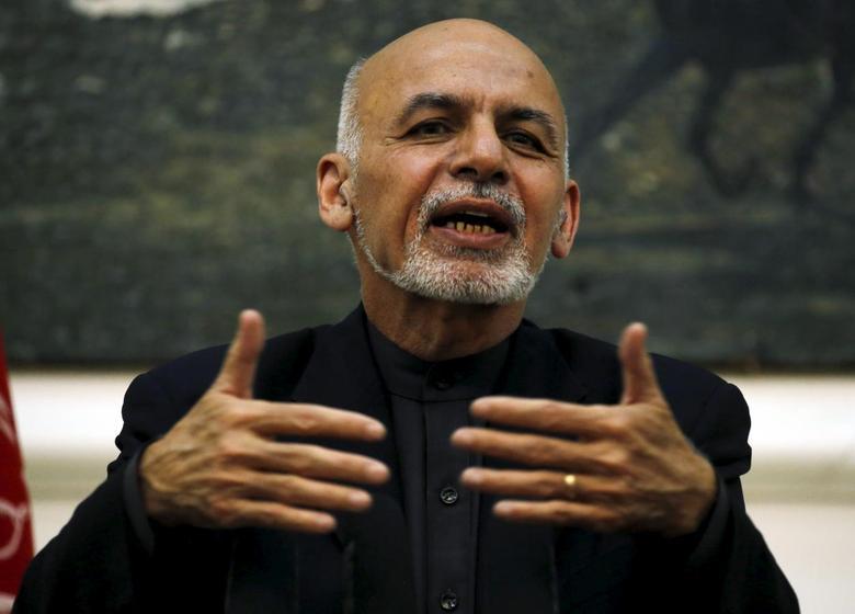 Afghanistan's President Ashraf Ghani speaks during a news conference in Kabul, Afghanistan December 31, 2015. REUTERS/Omar Sobhani