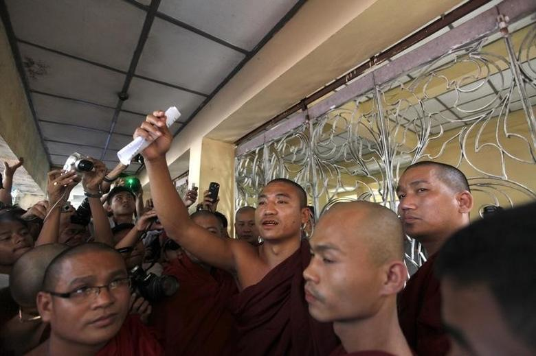 Shin Gambira, leader of the All-Burmese Monks Alliance, talks to supporters while ,  in the state committee of Sangha Maha Nayaka in Yangon in this January 19, 2012 file photo. REUTERS/Soe Zeya Tun