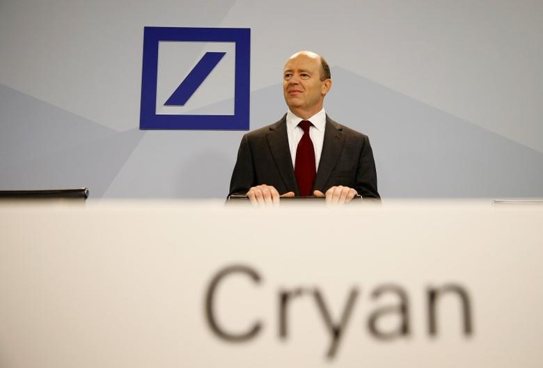 Deutsche Bank new Chief Executive John Cryan arrives for a news conference in Frankfurt October 29, 2015. REUTERS/Kai Pfaffenbach