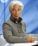 Глава МВФ Кристин Лагард на сессии Давосского форума. 21 января 2016 года. Международный валютный фонд сообщил, что планирует начать отбор кандидатов на пост нового главы и будет принимать заявки с четверга, несмотря на то, что Кристин Лагард, по ее словам, готова к еще одному сроку в должности. REUTERS/Ruben Sprich