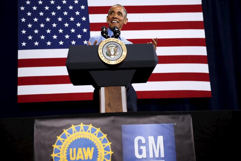 President Obama delivers remarks on the U.S. auto industry at the UAW-GM Center for Human Resources in Detroit, January 20, 2016. REUTERS/Jonathan Ernst