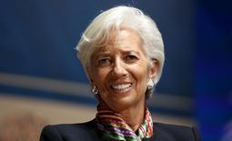 Глава МВФ Кристин Лагард на экономической конференции в Лиме. 8 октября 2015 года. Директор-распорядитель Международного валютного фонда Кристин Лагард сообщила в пятницу, что планирует выдвинуть свою кандидатуру на второй срок. REUTERS/Guadalupe Pardo