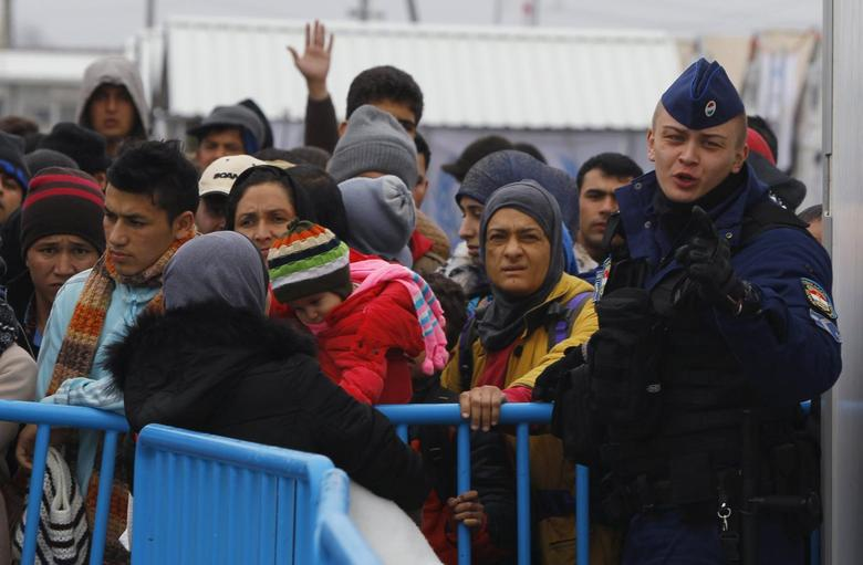 Hungarian border police arrive at the transit camp on the Macedonia-Greece border near Gevgelija, to help Macedonian authorities manage the flow of migrants January 6, 2016. REUTERS/Ognen Teofilovski