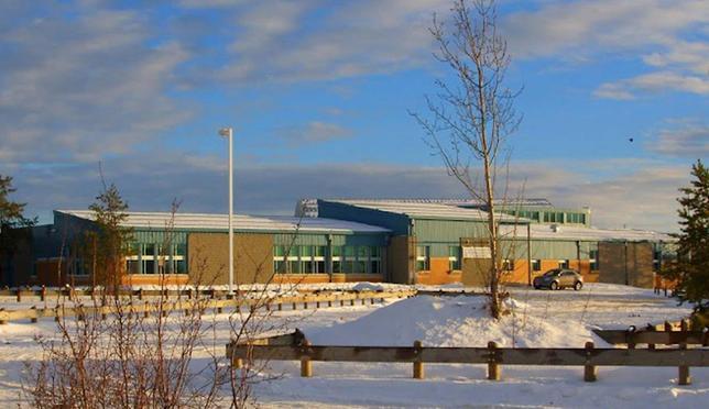 1月22日、カナダ中部のサスカチュワン州ラロッシュの高校で銃乱射事件が発生し、4人が死亡した。提供写真(2016年 ロイター)
