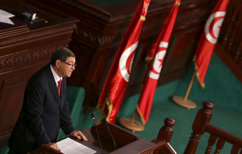 Tunisian Prime Minister Habib Essid delivers a speech at the Assembly of People's Representatives in Tunis, Tunisia January 11, 2016.  REUTERS/Zoubeir Souissi