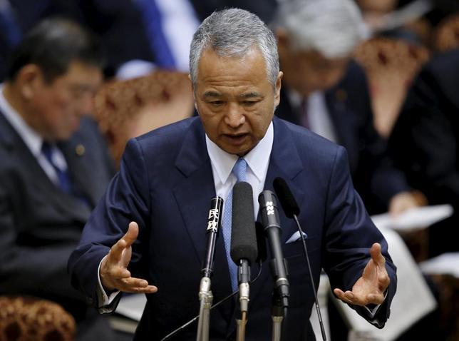 1月27日、萩生田光一官房副長官は27日午前の会見で、2月4日に予定されている環太平洋連携協定(TPP)署名式に甘利明担当相が出席する予定で準備を進めていると語った。都内で1月撮影。(2016年 ロイター/Toru Hanai)