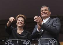 Presidente Dilma Rousseff ao lado do presidente do Equador, Rafael Correa, em Quito. 26/01/2016 REUTERS/Kevin Granja