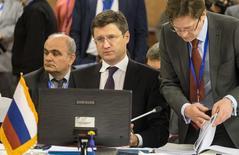 El ministro de Energía ruso, Alexander Novak, en una reunión de ministros en Teherán. 21 de noviembre de 2015. El ministro de Energía de Rusia, Alexander Novak, dijo el jueves que Arabia Saudita propuso un recorte de la producción de petróleo en hasta 5 por ciento por país a fin de impulsar los debilitados precios del barril. REUTERS/Raheb Homavandi/TIMA  IMAGEN PROPIEDAD DE TERCEROS, SOLO PARA USO EDITORIAL