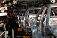 Toyota Motor a dit qu'il pourrait arrêter la production de ses usines japonaises début février en raison d'une pénurie d'acier, à la suite de l'explosion survenue dans une aciérie gérée par l'un de ses affiliés. /Photo d'archives/REUTERS/Mick Tsikas