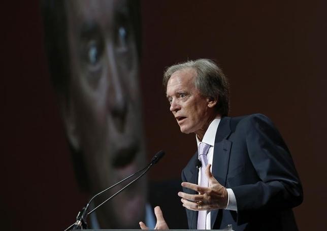 2月3日、著名債券投資家ビル・グロス氏は、国際金融市場や世界経済に主要中銀による不適切な金融政策の影響が出ていると述べた。写真は2014年6月撮影。(2016年 ロイター/Jim Young)