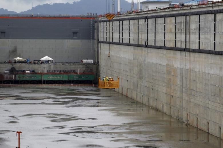 The new set of locks are seen at the expansion project of the Panama Canal on the pacific side in Panama City, November 17, 2015.  REUTERS/Carlos Jasso