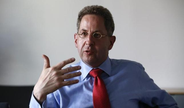 Hans-Georg Maassen from the Federal Office for the Protection of the Constitution (BfV) gestures during an interview in Berlin, Germany August 4, 2015. REUTERS/Fabrizio Bensch