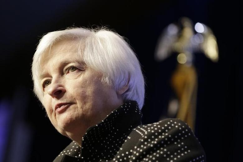 U.S. Federal Reserve Chair Janet Yellen addresses the Economic Club of Washington in Washington December 2, 2015.  REUTERS/Joshua Roberts