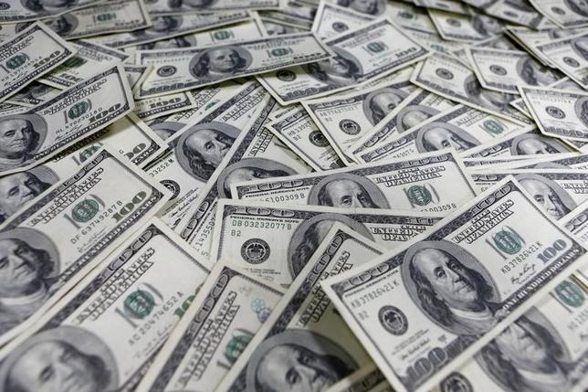 2月9日、米物価連動債などが示す予想インフレ率が低下している。市場の動揺が続き、世界の経済成長が減速する前兆かもしれない。写真はソウルで2013年1月撮影(2016年 ロイター/Lee Jae Won)