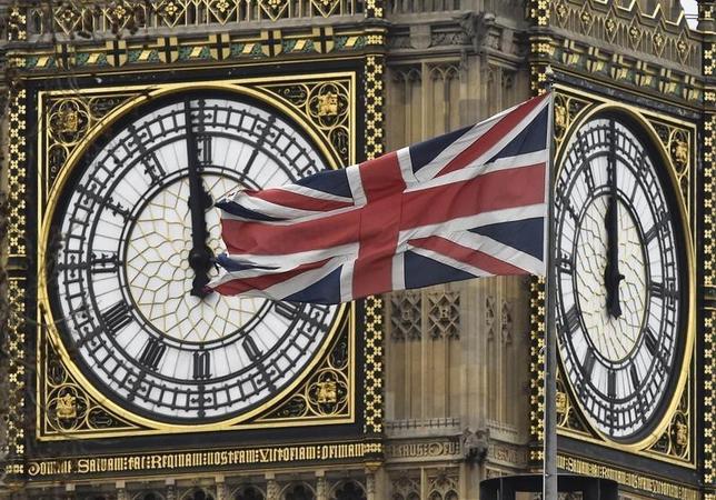 2月10日、世論調査によると、英国でEU離脱支持が拡大、残留派ときっ抗していることが分かった。写真はロンドンで1日撮影(2016年 ロイター/Toby Melville)