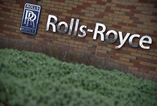 A Rolls-Royce logo is seen at the company aerospace engineering and development site in Bristol in Britain December 17, 2015. REUTERS/Toby Melville