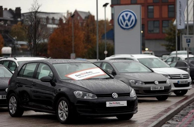 Volkswagen cars are parked outside a VW dealership in London, Britain November 5, 2015. REUTERS/Suzanne Plunkett